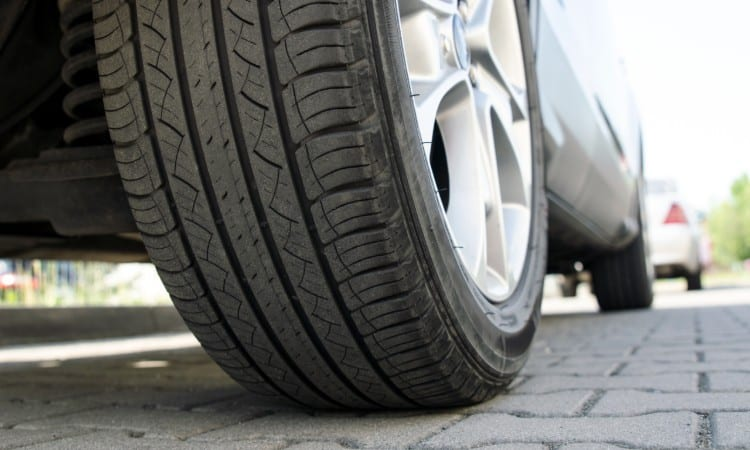 How to Reduce Road Noise From Tires