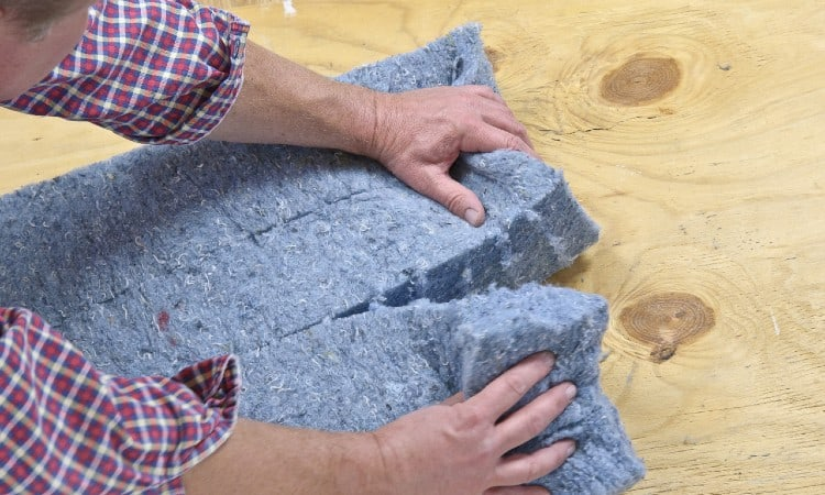 Denim insulation soundproofing